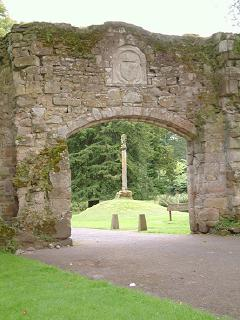 Old Castle Entrance and Old Scone Mercat Cross