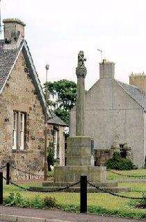 Mercat Cross and War Memorial, Dalmeny