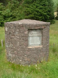 Monument to Driver's of the Dumfries-Edinburgh Mail