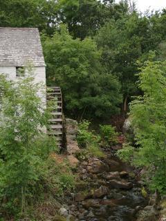 Barnhourie Mill and Burn